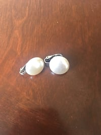 pair of silver stud earrings Ottawa, K1T 4C9