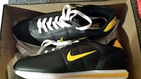 Size 12  NIKE running shoes  Vaughan, L6A 0K1
