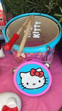 Hello kitty snare drum and tambourine Miami, 33129