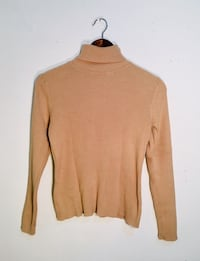 brown scoop neck long sleeve shirt Montréal, H3W 1E6