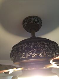 Ceiling fan with a remote control. Excellent condition. Oshawa, L1K 2B1