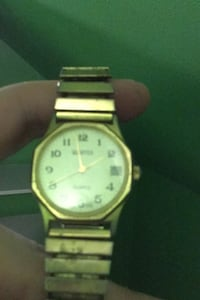 Old quarts watch  Des Moines, 50313