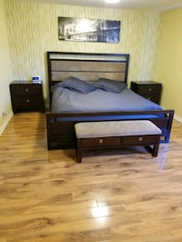 California king size bed set. Los Angeles, 91402
