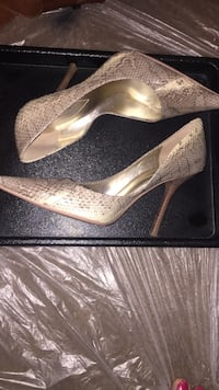 7.5 Guess Marciano Snakeskin Heels   Sparks, 89431