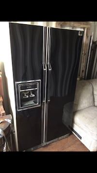black side-by-side refrigerator with dispenser Long Beach, 90805