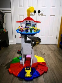 Paw Patrol Lookout Tower with characters and car ! Vaughan, L4H