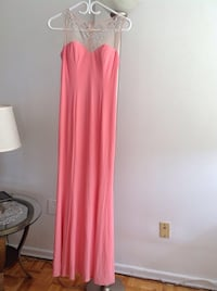 ADRIANNA PAPELL -Prom dress for all occasions ex co as new ,SZ 7/8 Hamilton, L8V 4K6