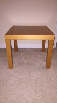 Small coffee table/ night stand Fairfax, 22030