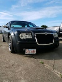 2005 Chrysler 300. 5.7 HEMI engine new 550hp.