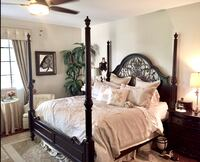 Beautiful KING SIZE POSTER BED and two nightstand tables by SCHNADIG Weston, 33331