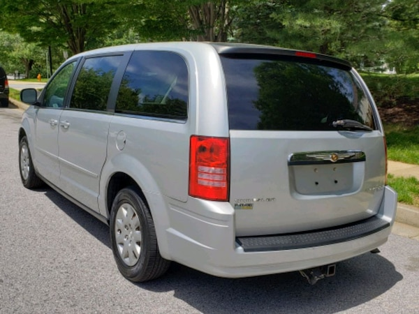 Chrysler - Town and Country - 2009 5