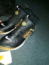 pair of black-and-yellow Nike basketball shoes Folcroft, 19032