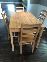 Dining table & four chairs Cedar Rapids, 52405