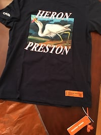 Heron Preston ( M size brand new navy blue tee) North Vancouver, V7N