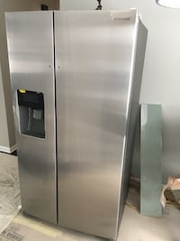 Stainless steel side-by-side refrigerator with dispenser Minneapolis, 55416