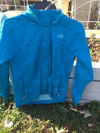 The North Face size girls medium 10/12 in good condition