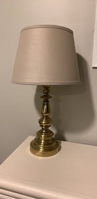 Gold base  table lamp West Chicago, 60185