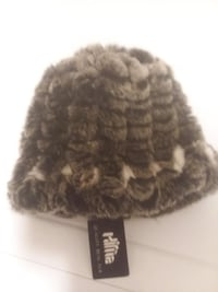 *New* (tag on) Woman's Warm Winter Hat - - with Lining inside, Black and White color, size M.