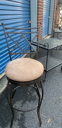 Bar Stool in mint condition 25