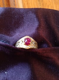 18K gold Ruby and diamonds ring size 4 Richmond Hill, L4C 0H9