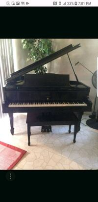 black and white upright piano Los Angeles, 90012