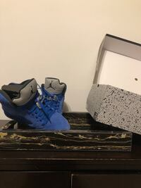 blue-and-white Air Jordan basketball shoes Upper Marlboro, 20772
