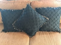 Black and gold decorative pillows 328 mi