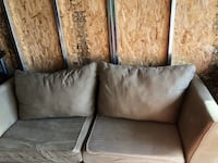 Soft gray couch. Donald, 97020