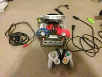 Gamecube barely used all parts are perfect  Boaz, 35957