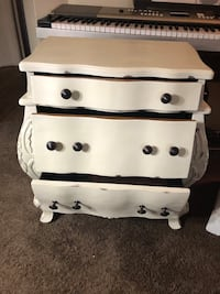 Shabby chic side table /night stand