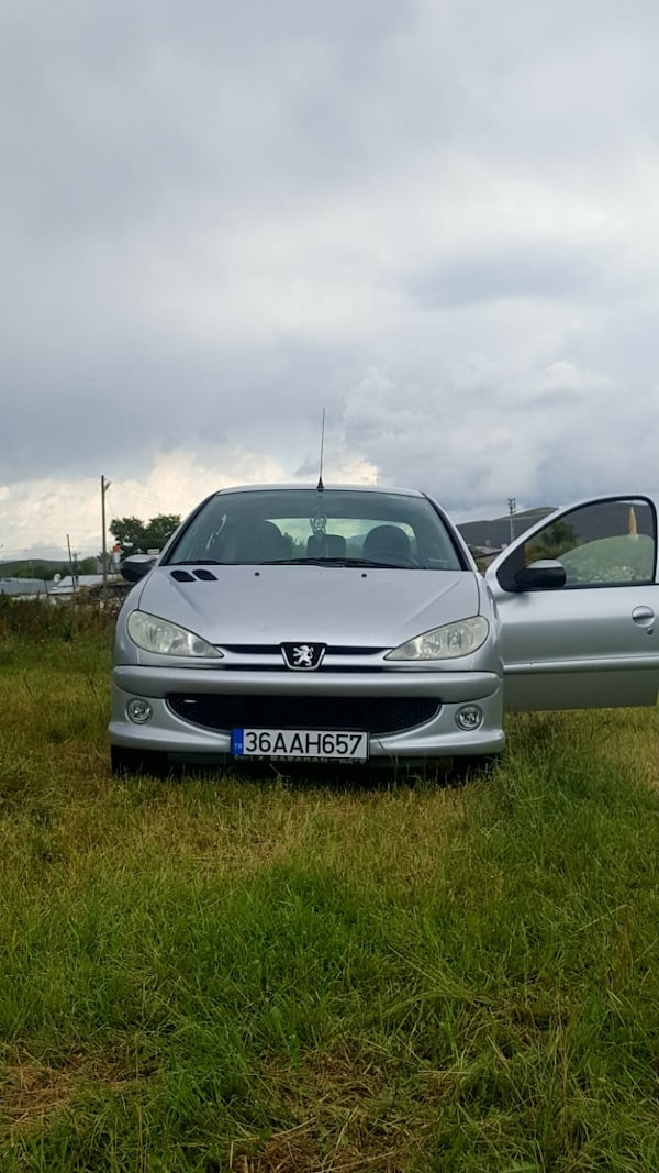 2010 Peugeot 206 Sedan 1.4 HDI 70 HP COMFORT AC ABS 0