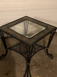 WROUGHT IRON SIDE TABLE North Dumfries, N0B