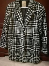 black and White lacies coat ,mint condition Mississauga, L4Z 3X7
