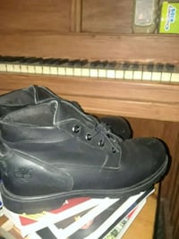 pair of black leather work boots Clementon, 08021