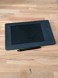 Mint Wacom Intuos Drawing tablet with Pen