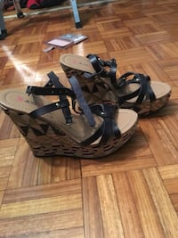 Worn once. 5 1/2 size. Just fab.. Toronto, M5V 2Z9