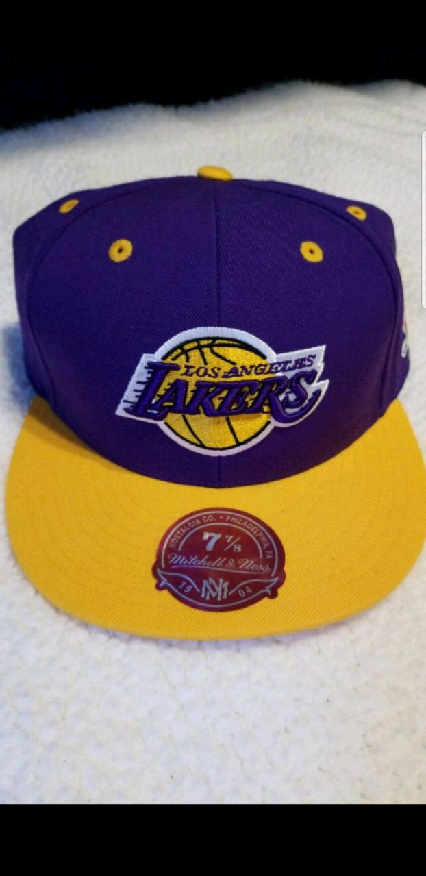 18b76dcc573 ... inexpensive lakers fitted hat 3e3e5 dd7f7