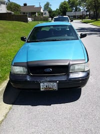 Ford - Crown Victoria - 2005 Fort Washington, 20744