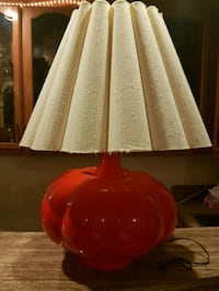 red and white table lamp Montréal, H4N 2Z4
