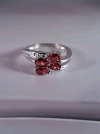 Genuine sterling silver red garnet ring size 7 Toronto, M6L 1A4