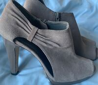 Shoes size 6 1/2 gray color  Silver Spring, 20905