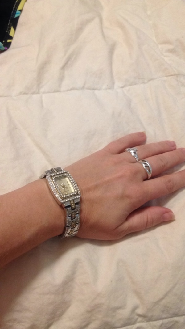 Jennifer Lopez watch with crystals 292800b8-3d28-47e7-aa9e-cdfb0a69ab90