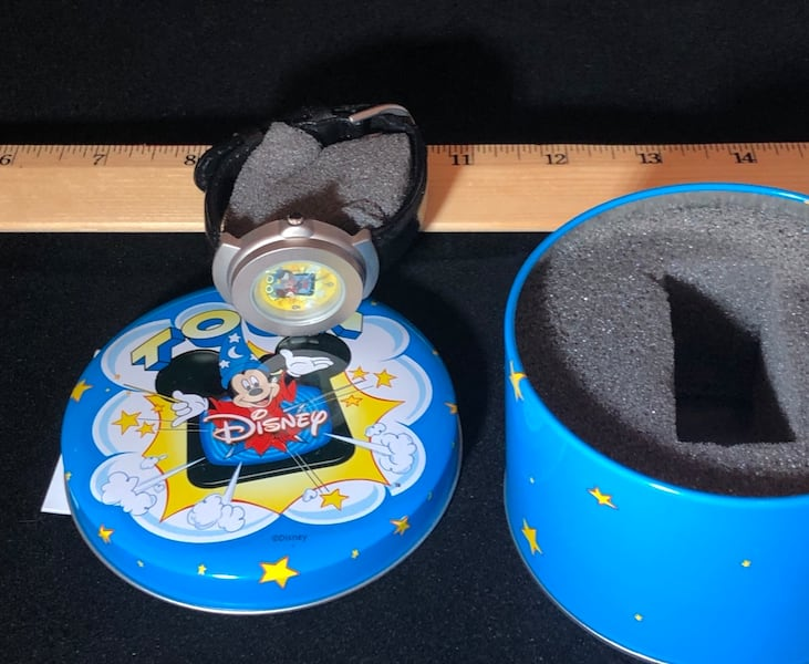 Disney Mickey Mouse Sorcerers Apprentice 3D Pop-Up Watch, Vintage 52fccac3-afac-4d45-9f2f-243f4f2793ad