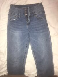High waisted jeans size 5 Richmond Hill, L4S 2T6