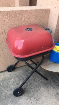 red and black charcoal grill سان دييغو, 92124