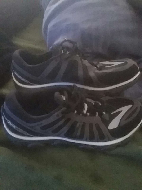 0ff3aafe283 Used Brooks brothers running shoe for sale in New Jersey - letgo