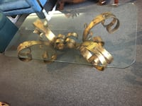 Elegant Glass Coffee Table with Gold Base London, N6E 2Z9