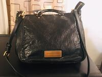 Authentic Marc by Marc Jacobs. 2-way bag. Mint condition with 2 side zipper pockets Toronto, M6L