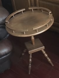 round brown wooden side table Brampton, L6R 1K5