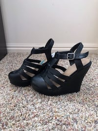 Wedges Size 6 South Weber, 84405